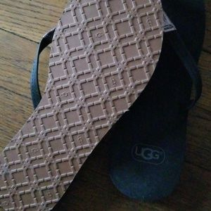 UGG Shoes - Ugg Flip flops. Sz 8-9
